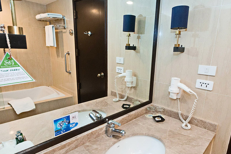 a bathroom of a permium deluxe room 2